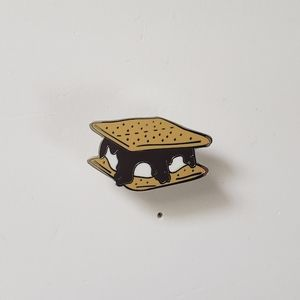 🐢2/$15 Smores Pin